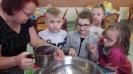 Zabawa Andrzejkowa na świetlicy szkolnej